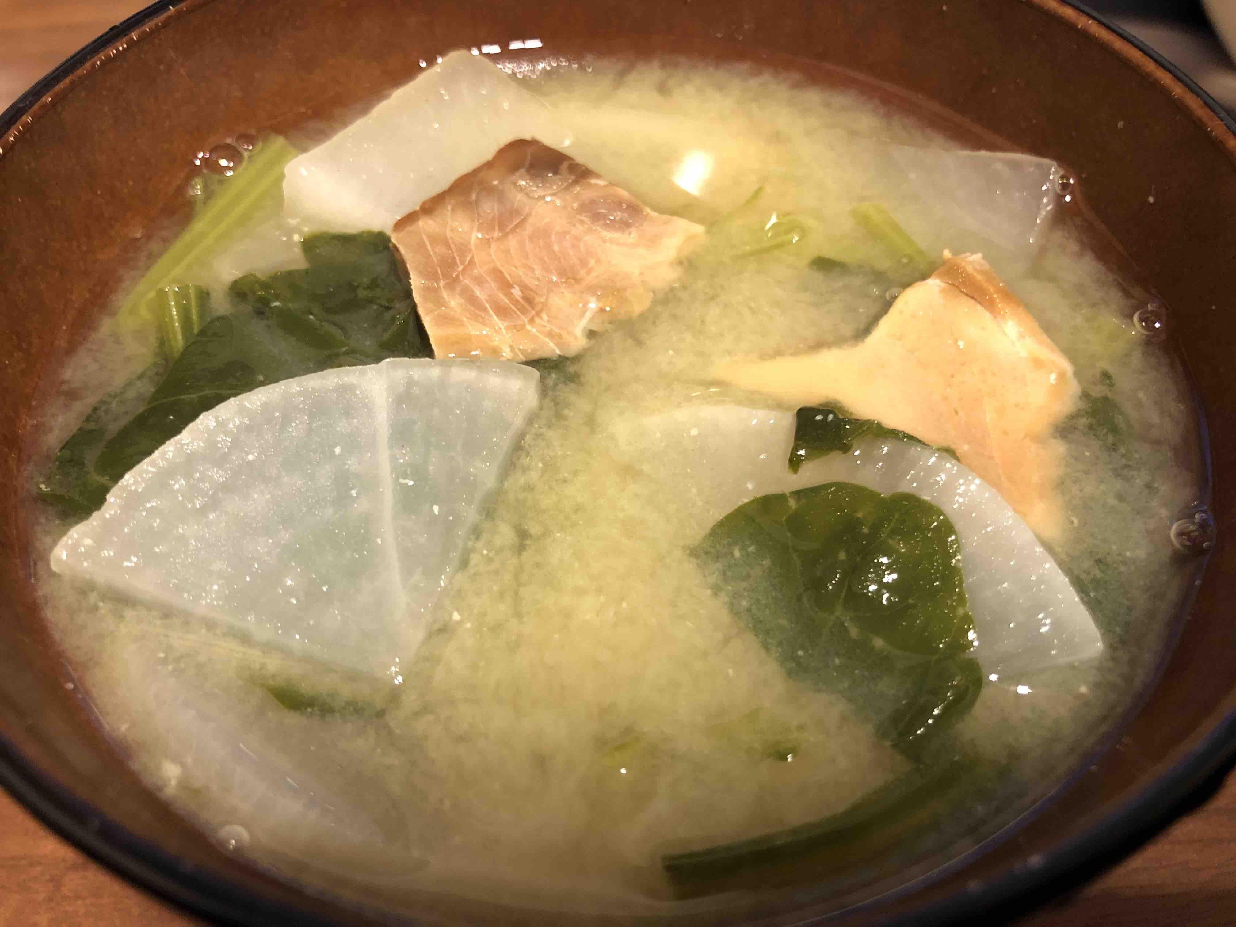 鮭とば味噌汁が完成し盛り付けたところ